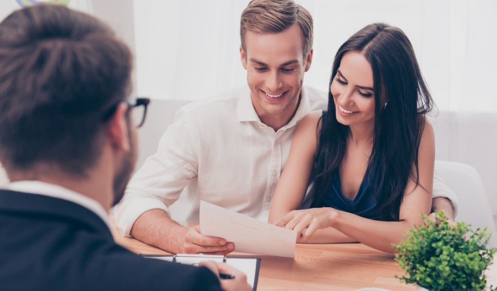 """In the Market for a New House? 3 things you need to know before signing an """"as is"""" clause when purchasing a house"""